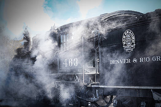 Train Engine 463 by Steven Bateson