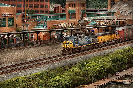 Mike Savad - Train - Pittsburg, PA - Station Square