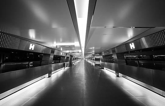 Tri-Lights Runway by Bun Lee