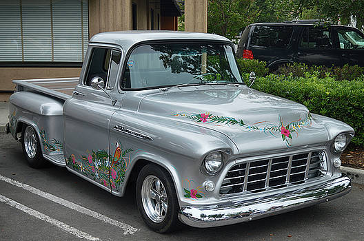 Tropical 3100 Chevy by Bill Dutting