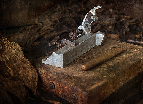 Tuck Cutter by Nichon Thorstrom
