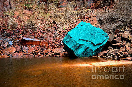 Turquoise Boulder at Upper Emerald Pools  by Rincon Road Photography By Ben Petersen