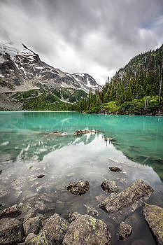 Turquoise lake in the mountains by Pierre Leclerc Photography