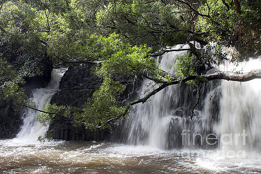 Twin Waterfalls by Ivete Basso Photography