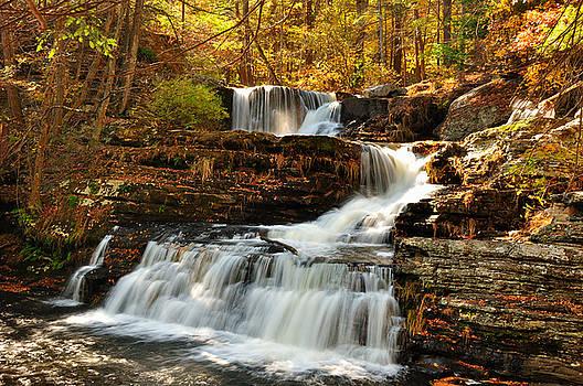 Upper falls at Delaware Water Gap by Jay Mudaliar
