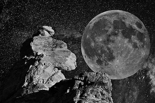 Utah Moonrise D0614 by Wes and Dotty Weber