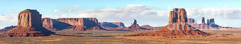 Valley Pano View by Jerry Fornarotto
