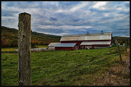 Vermont Farm  by Jes Fritze