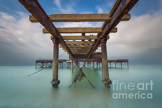 Victoria Pier Smoothy by English Landscapes