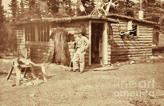Vintage Hunting Log Cabin by Linda Phelps