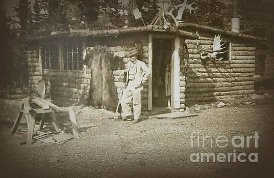 Vintage Log Cabin by Linda Phelps