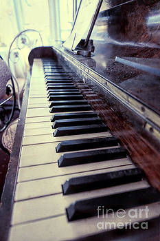 Vintage Piano by Eyzen Medina