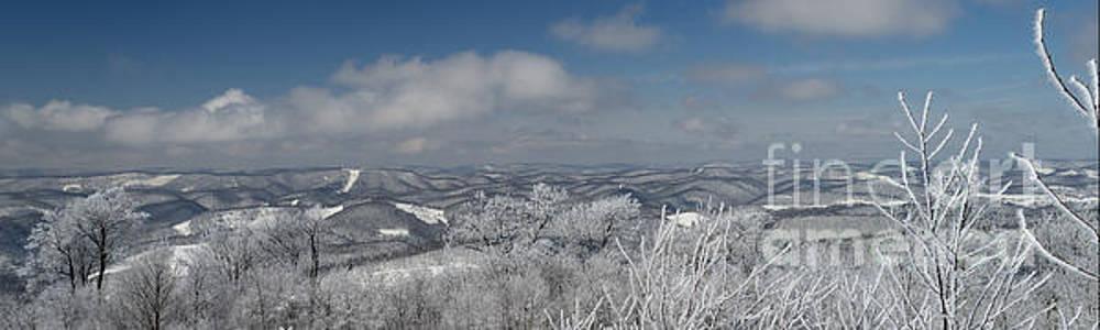 Dan Friend - Vista view on West Virginia mountains