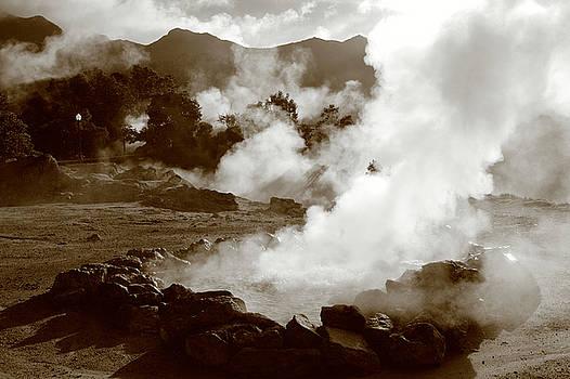 Gaspar Avila - Volcanic steam