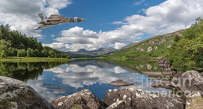 Adrian Evans - Vulcan Over Lake