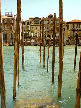Julie Palencia - Waiting in Venice