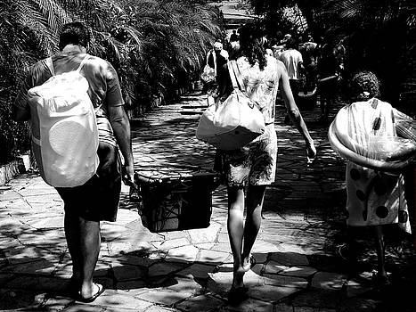 Walking Life 2 by Beto Machado