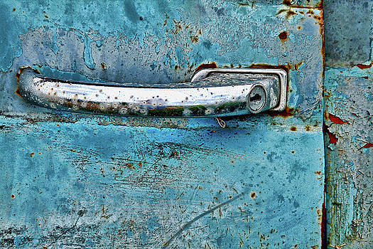Weathered and Rusted by Vicki McLead