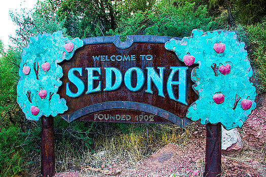 Welcome To Sedona by Dany Lison