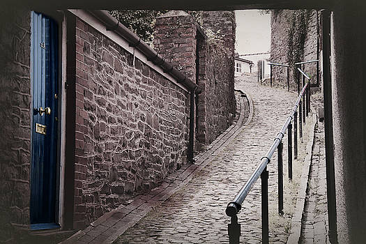 Welsh cobbled street by Susan Tinsley