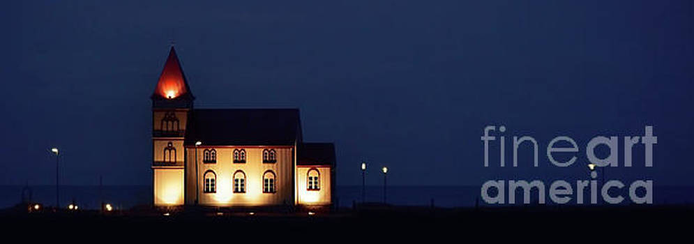 Svetlana Sewell - When Night is Fall