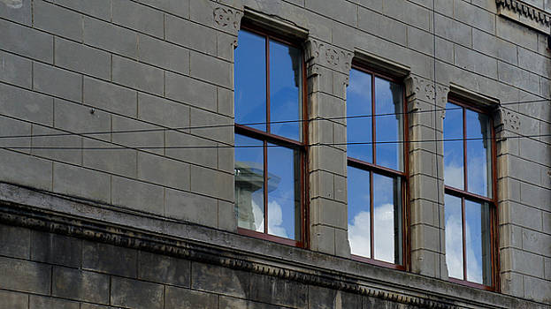 Windows by Pedro Fernandez