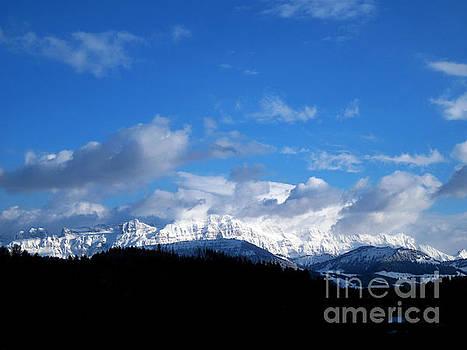 Susanne Van Hulst - Winter in Switzerland - A Lot of New Snow