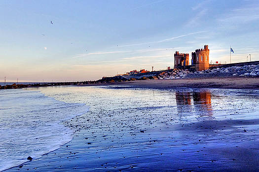 Withernsea Sunset and Moon by Sarah Couzens