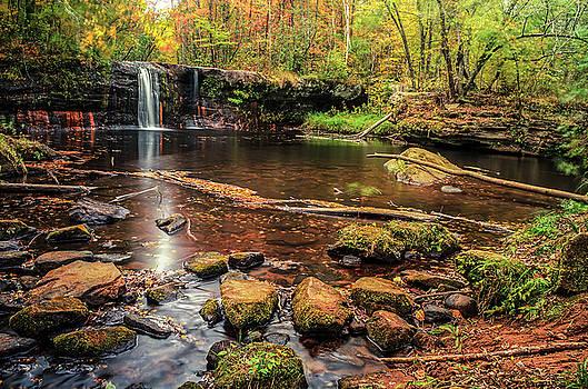 Wolf Creek Falls by Riddhish Chakraborty