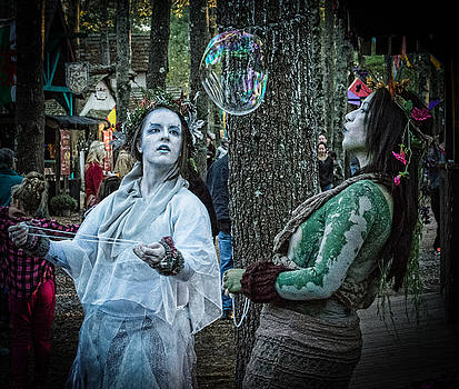 Woodsy Women by Black Brook Photography