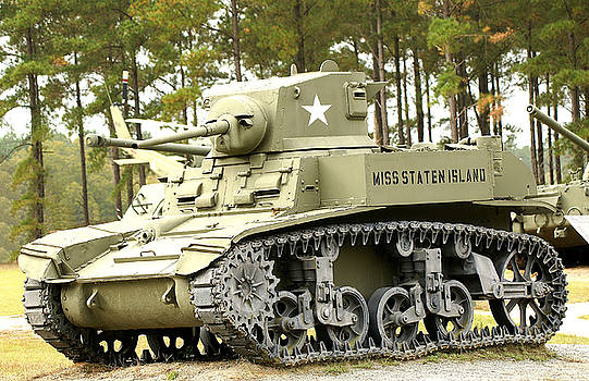 WW-2 Tank by Danny Jones