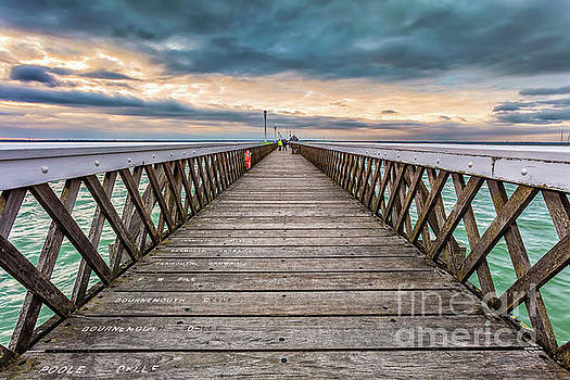 Yarmouth Pier Sunset by English Landscapes