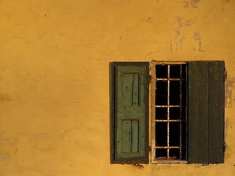Yellowall - Inquietudine by Alberto Catellani