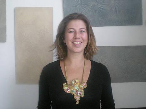 Yvonne Buckley  necklace art by Margot Koefod