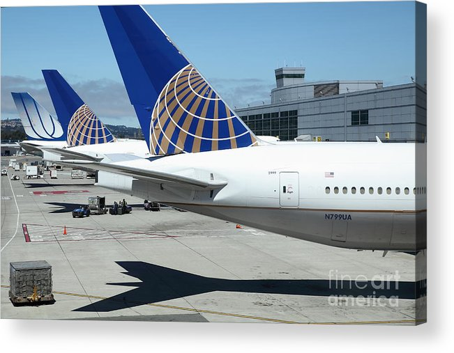 Transportation Acrylic Print featuring the photograph United Airlines Jet Airplane At San Francisco Sfo International Airport - 5d17110 by Wingsdomain Art and Photography