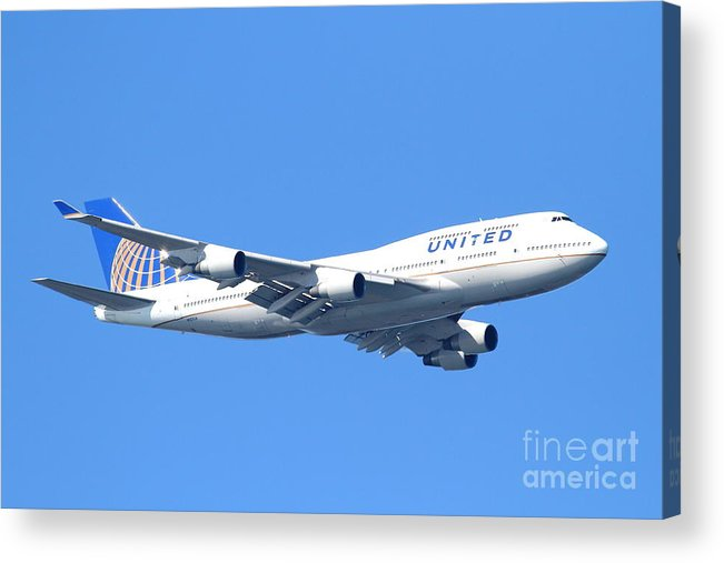 Transportation Acrylic Print featuring the photograph United Airlines Boeing 747 . 7d7850 by Wingsdomain Art and Photography