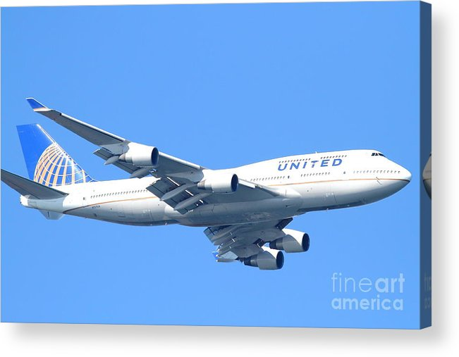 Transportation Acrylic Print featuring the photograph United Airlines Boeing 747 . 7d7852 by Wingsdomain Art and Photography