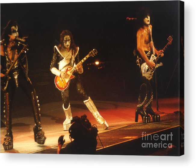 Kiss Acrylic Print featuring the photograph Kiss-b33a by Gary Gingrich Galleries