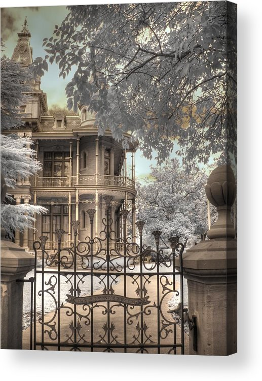 The Littlefield Home Acrylic Print featuring the photograph Littlefield Home by Jane Linders