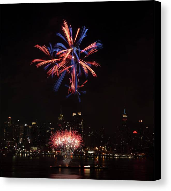 4th Of July Canvas Print featuring the photograph Macy's Fireworks II by David Hahn