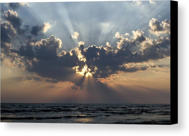 Sun Rays Canvas Print featuring the photograph Sun Rays by Peter Chilelli