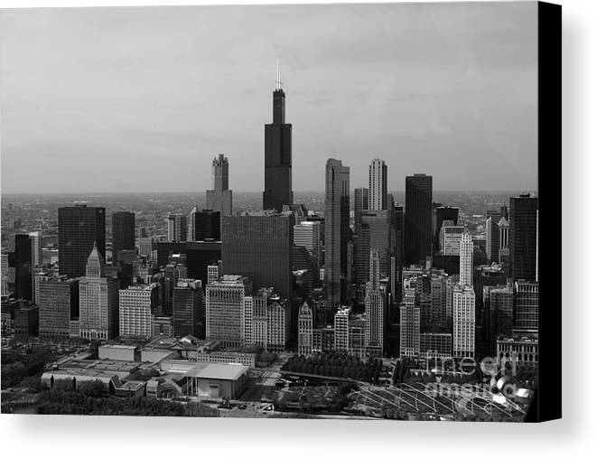 Black And White Canvas Print featuring the photograph Chicago Looking West 01 Black And White by Thomas Woolworth