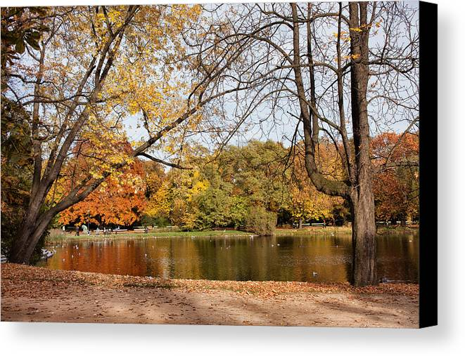 Pond Canvas Print featuring the photograph Ujazdowski Park In Warsaw by Artur Bogacki