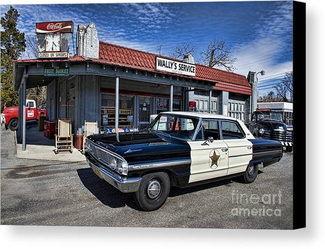 Mt Airy Canvas Print featuring the photograph Wallys Service Station by David Arment