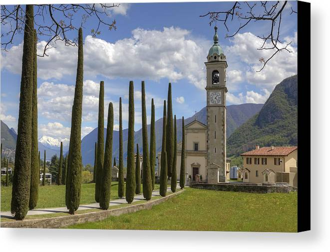 Sant'abbondio Canvas Print featuring the photograph Sant'abbondio by Joana Kruse