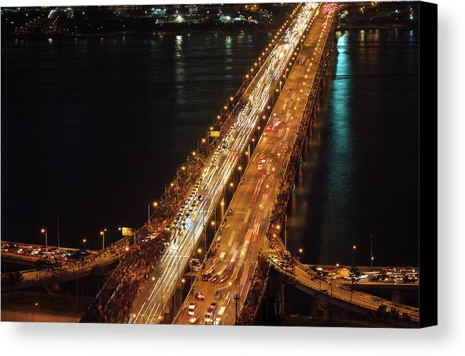 Horizontal Canvas Print featuring the photograph Crowded Bridge by SJ. Kim