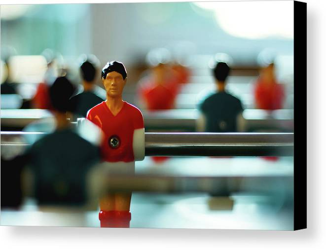 Horizontal Canvas Print featuring the photograph Figurine Of Football Player by D.Reichardt