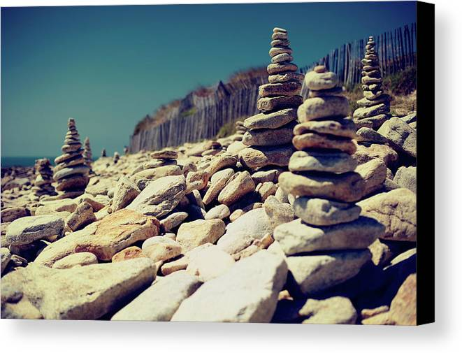 Horizontal Canvas Print featuring the photograph Little Carnac by Quicksil7er
