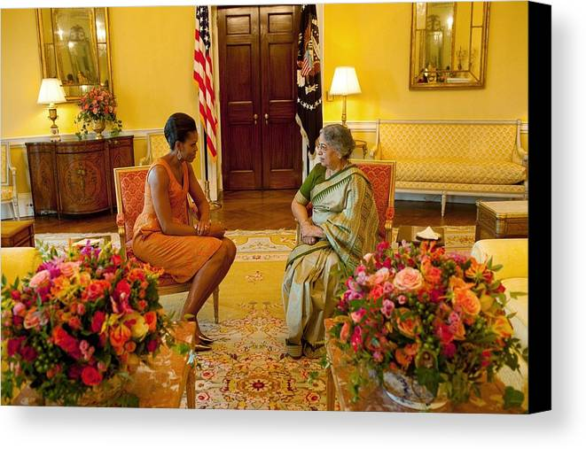 History Canvas Print featuring the photograph Michelle Obama Meets With Mrs by Everett