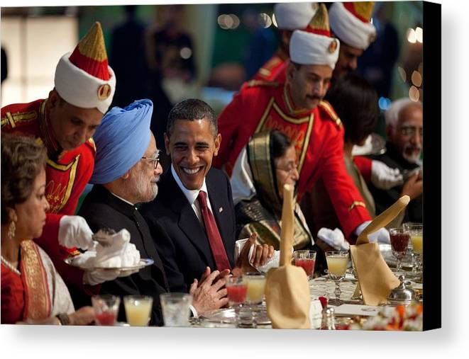 History Canvas Print featuring the photograph President Obama And Indian Prime by Everett